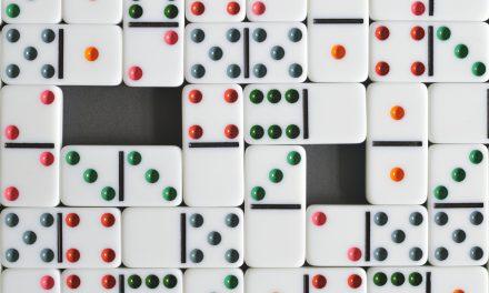 Trois jeux pour compter avec des dominos